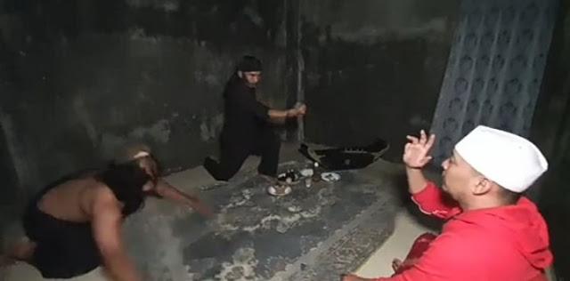 Ustadz Ujang Bustomi Dikeroyok Dukun Santet Saat Bertamu, Keluar Ulat di Perut. Ngeri !