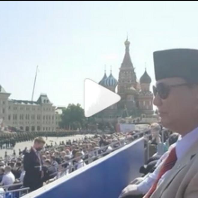 Video Gagahnya Penampakan Prabowo Subianto Berpeci di Parade Militer Rusia