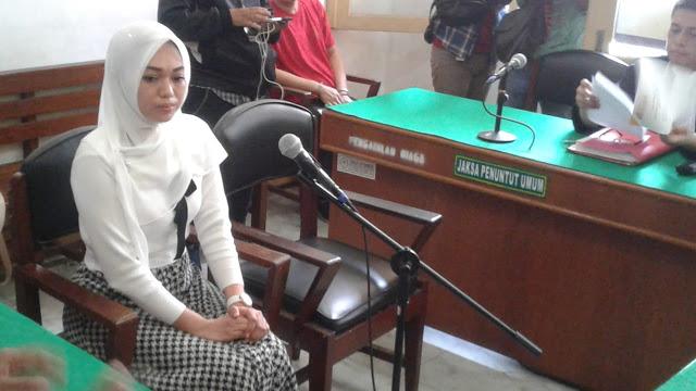 Tagih Utang Bu Kombes Melalui IG, Febi Kena UU ITE serta Dituntut 2 Tahun Penjara
