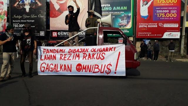 Persoalan Besar Sedang Terjadi di Indonesia