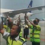 Viral Video Petugas Bandara Soetta Sambut Habib Rizieq dengan Lantunan Shalawat