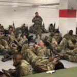 Anggota Parlemen Marah Lihat Tentara Nasional Bergeletakkan Di Lantai Parkir Capitol Yang Dingin