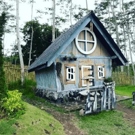 Rumah Hobbit Cangkringan