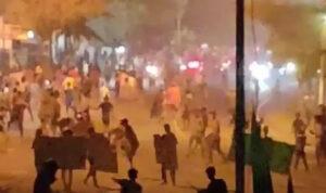 Medan Mencekam dengan Aksi Tawuran Warga, Puluhan Kios Dibakar-Dijarah, Gereja Dimolotov