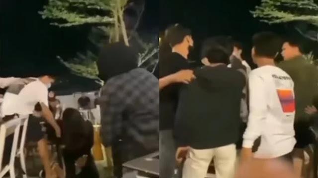 Viral!! Pria Pukul Pacarnya hingga Jatuh, Pengunjung Kafe Ngamuk