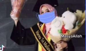 Kisah Marina, Alumnus UGM Pilih Menjadi Pemulung dan Beternak Maggot